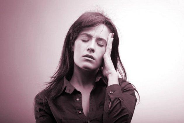 при тяжелой форме аллергического дерматита возникает головная боль и сонливость