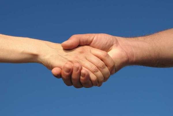 чесотка передается через рукопожатие