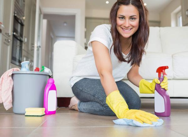 для профилактики крапивницы нужно регулярно проводить влажную убору в доме