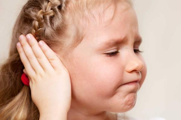 отомикоз сопровождается болью в ухе