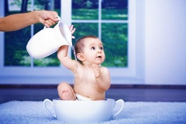 для профилактики розеолы нужно закаливать ребенка
