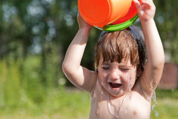 для профилактики стрептодермии нужно закаливать ребенка